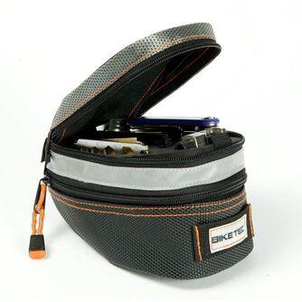 Stor sadelveske m/ verktøy